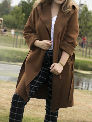 Ciepły i wygodny brązowy płaszcz Nova